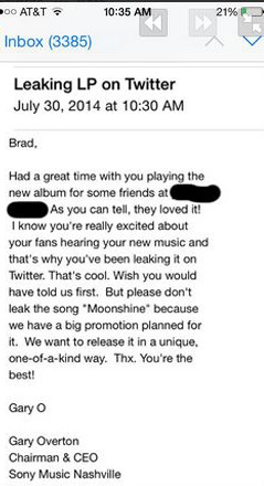 Musician Brad Paisley leaking songs photos of email on Twitter